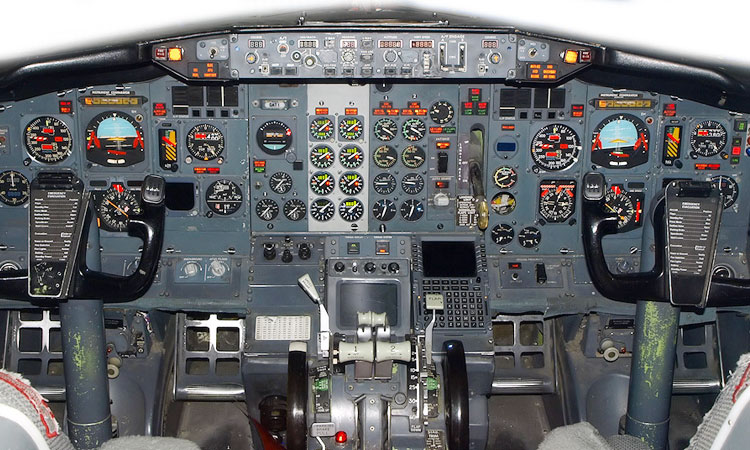 Universal Avionics Systems Corporation | Flight Decks