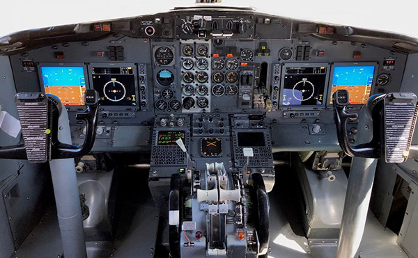 Nolinor Aviation Modernizes 10 B737-200 with UA Glass Cockpit